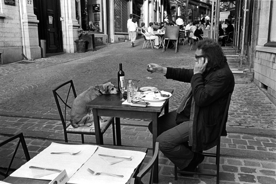 Brussels, Belgium, 2004 © Peter Kayafas